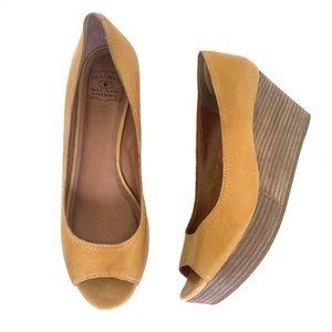 American Eagle Leather Peep Toe Wedge Heels Gold 9
